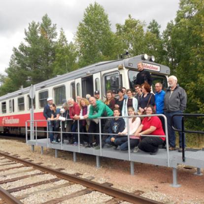 gruppbild på resenärer och personal