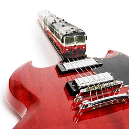 gitarr och motorvagn