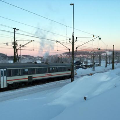 Snötåget har just påbörjat resan från Östersund mot Mora